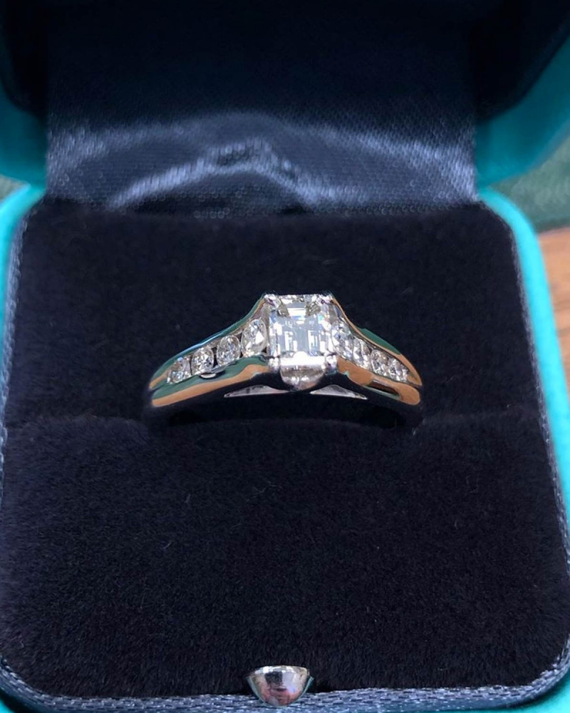 Ladies Emerald Cut Diamond